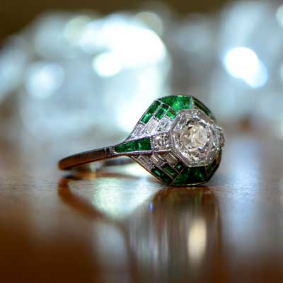 Art Deco Ring with Dynamic Background