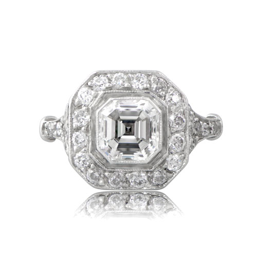 AA Vintage-Asscher-Cut-Diamond-Engagement-Ring-10793-T-View