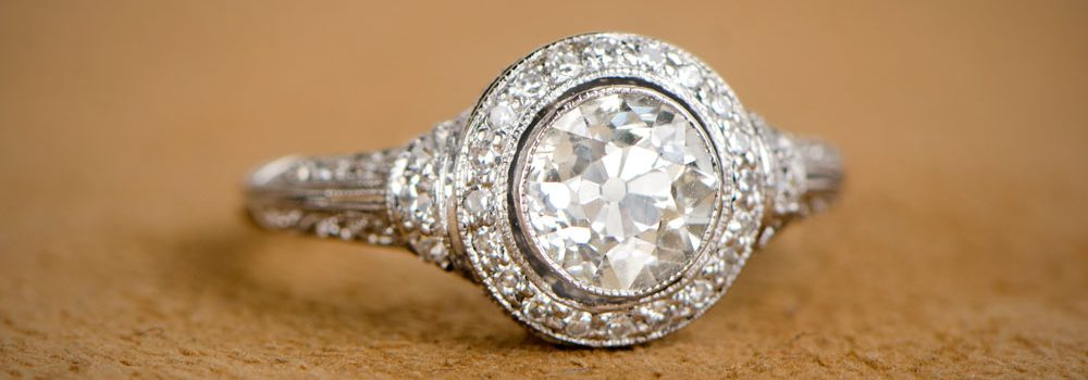 low-profile-engagement-rings