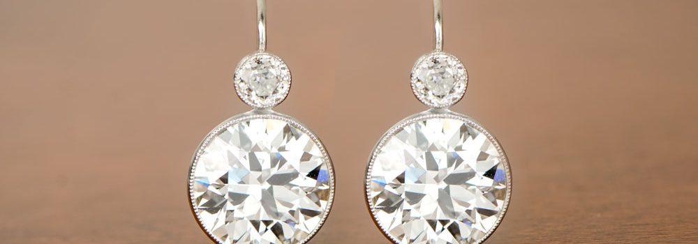 Platinum stud diamond earrings