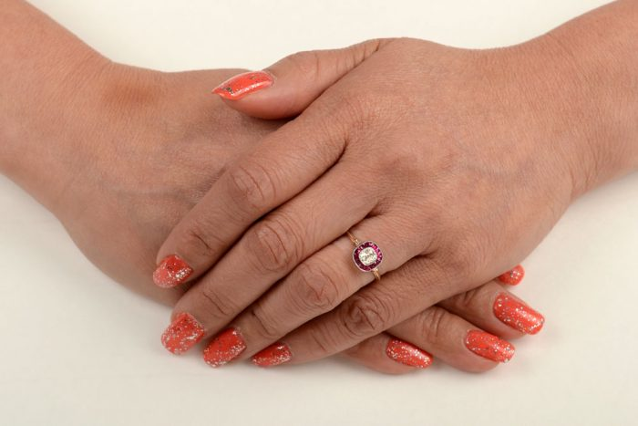 GS112-Ruby-Halo-Ring-Finger