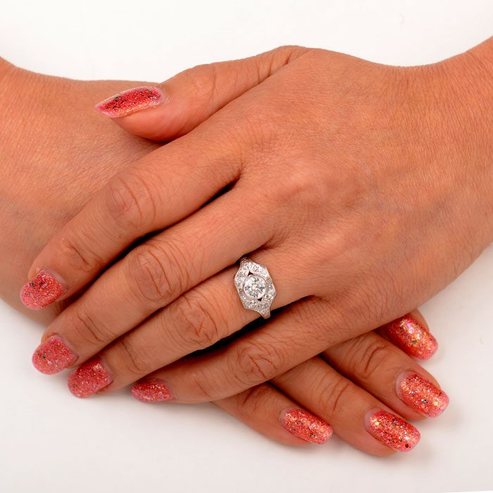 R165-Amalfi-Ring-Finger-Picture-2x2
