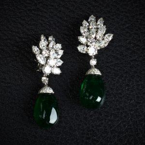 Jewelry Vs Jewellery