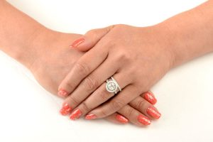 You Should Decide If Want To Wear The Engagement Ring On Your Wedding Day