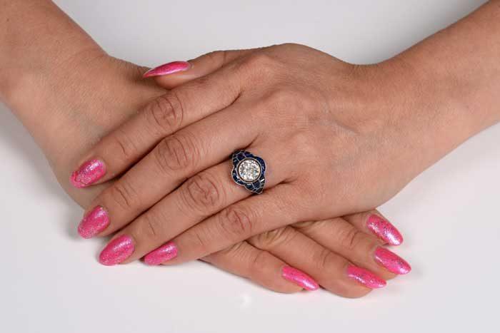 11676 Eva Ring on a Finger