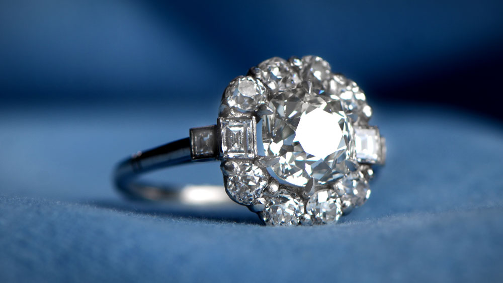 solitaire diamond g by lang carat