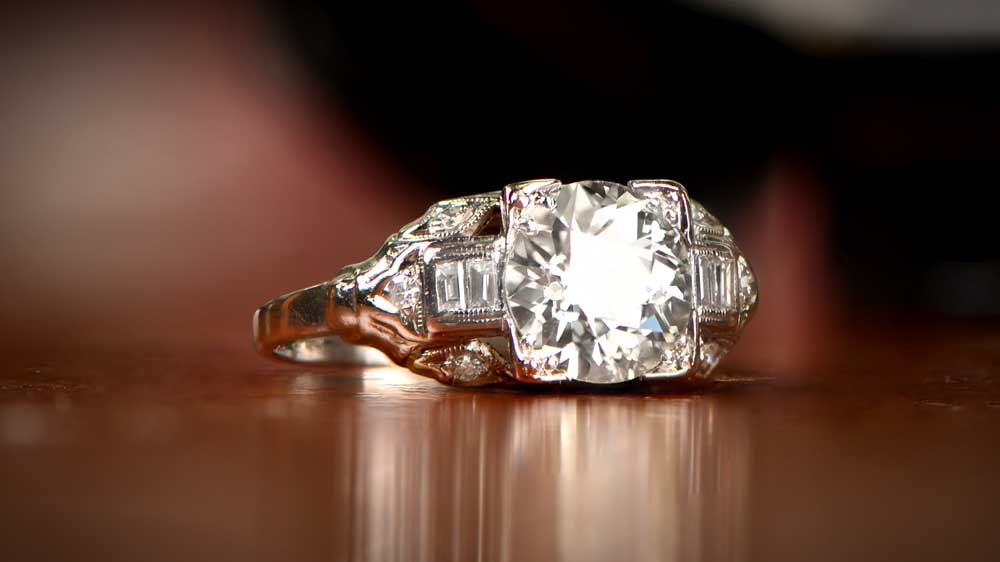Vintage Engagement Ring with Real Diamond in Center